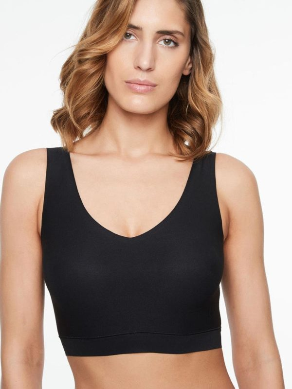 Soft Stretch - V Neck Padded Top - black