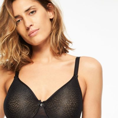 C Magnifique Moulded Bra by Chantelle