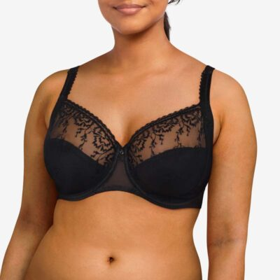 Every Curve Very Covering Underwire Bra by Chantelle