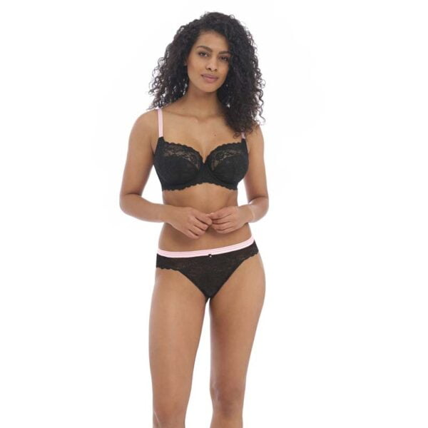 offbeat black uw side support and braz thong